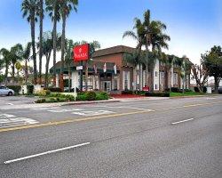 Ramada Costa Mesa/Newport Beach