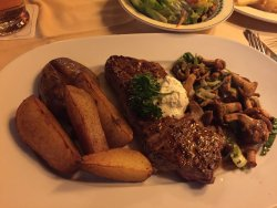 Steak with delicious mushroom sauce
