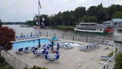 Ship-N-Shore Hotel
