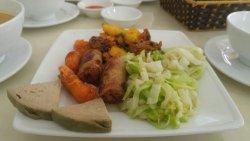 Phải nói rằng nhà hàng cơm chay tại trung tâm chăm sóc sức khỏe Trường Thọ , là nhà hàng có đầu