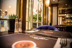Cafe FLO CWM