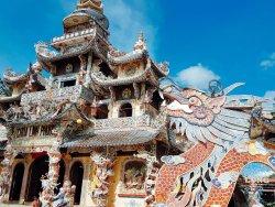 Pagoda de Linh Phuoc