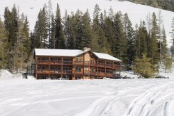 Beaver Creek Lodge Guided Snowmobile Tours