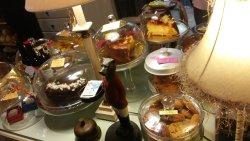 Su variedad en pasteles y dulces es bastante amplia. Dífícil decantarse por uno...