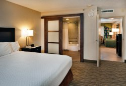Embassy Suites by Hilton Miami - International Airport