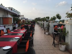 Upre Restaurant: Magnificent rooftop location