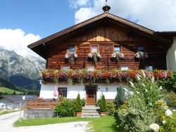 Hochhausl Pension