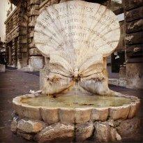 Fontana delle Api  del Bernini
