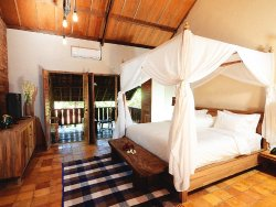 Alamanis Resort