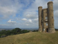 Walk to Broadway Tower