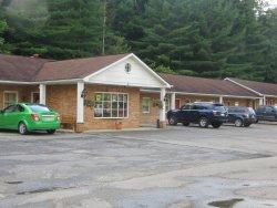 Elkins Economy Inn