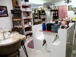 Lou's Antique Mall