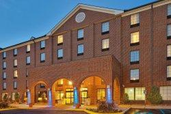 Holiday Inn Express Harrisburg East