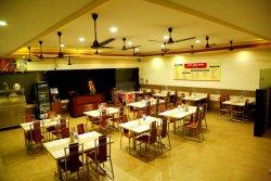 Hotel Shree Aryas Restaurant