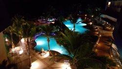 Bom hotel, com uma praia praticamente exclusiva