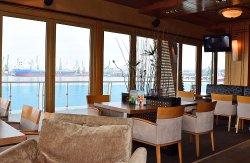 Happy Bar & Grill Port Varna