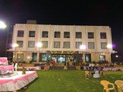 Love Kush hotel