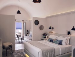 Santo Maris Oia Luxury Suites & Spa