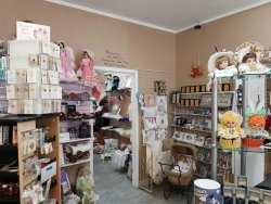 Valley Doll Museum & Gifts
