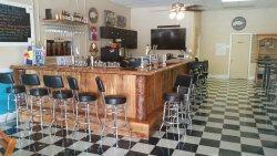 Uncork & Unwind Beer & Wine Lounge