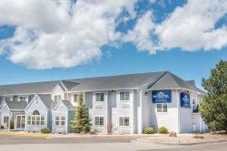 Microtel Inn & Suites by Wyndham Raton