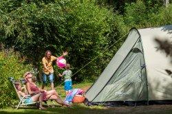 Emplacement Confort Camping familial au Clos de la chaume