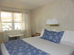 Even'tide Resort Motel and Cottages