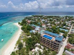 Season Paradise Hotel