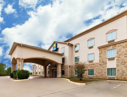 Comfort Inn & Suites Near Comanche Peak