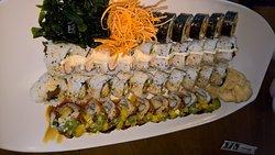 Trzy porcje, czwarta porcja, czyli to czarne Sushi gratis...