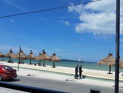 Vista de la playa desde el restaurante Crabster