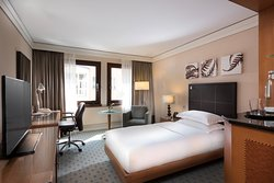 Single Hilton Guest Room