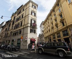 The Spanish Art Hotel, Rome