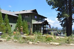 Montecito Sequoia Lodge & Summer Family Camp