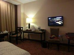 Kai Menzi Grand Hotel