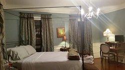 Bellamy Manor & Gardens Bed and Breakfast