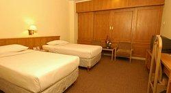 โรงแรมการุด้าพลาซ่า