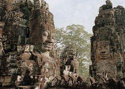 Les Pierres D'Angkor