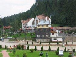 Hotel Turist din Lacu Rosu