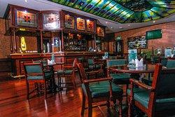 AL-Khareef Pub