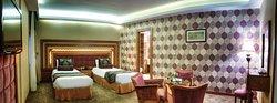 Aryo Barzan Hotel