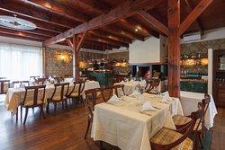 KONFIT restaurant & wine