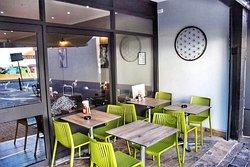 Tarla Cafe & Grill