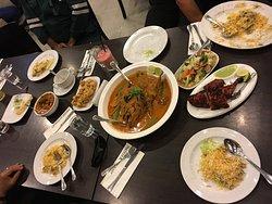 Pakeeza Restaurant