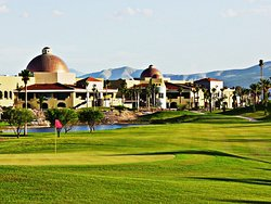 Montebello Hotel Golf Resort