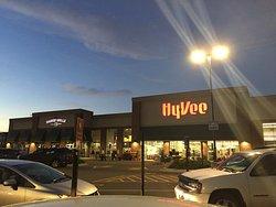 Hyvee Market Grille