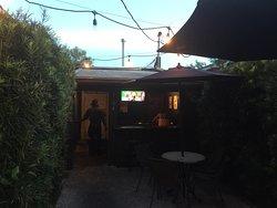 Madra Rua Irish Pub - Park Circle
