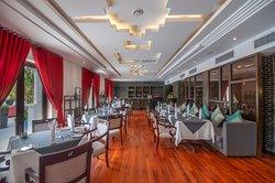 Fine Dining Restaurant Seats Arrangement