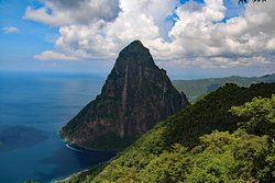 A view that you get of the petite piton...better than a helicopter!