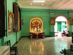 スリ タンディ ユッタ パニ寺院
